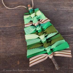 www.firefliesandmudpies.com Scrap Ribbon Tree Decorations