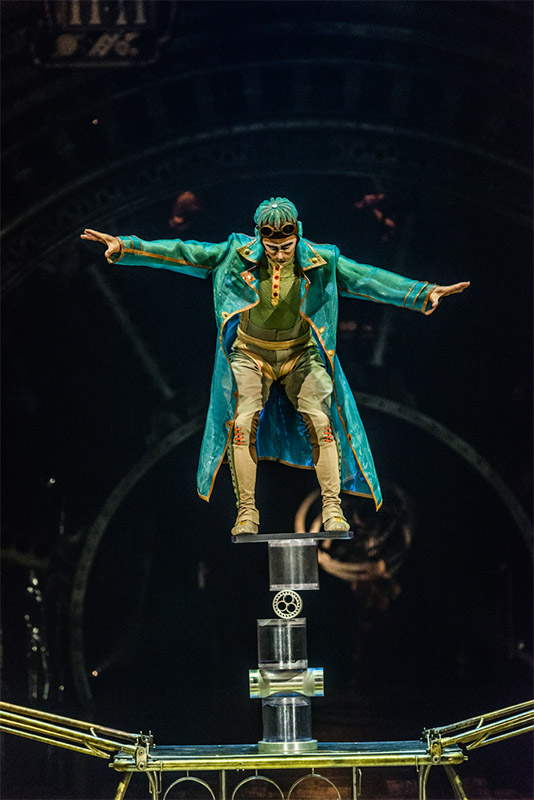 Balancing act, Cirque du Soleil, Kurios, Sydney Entertainment Quarter