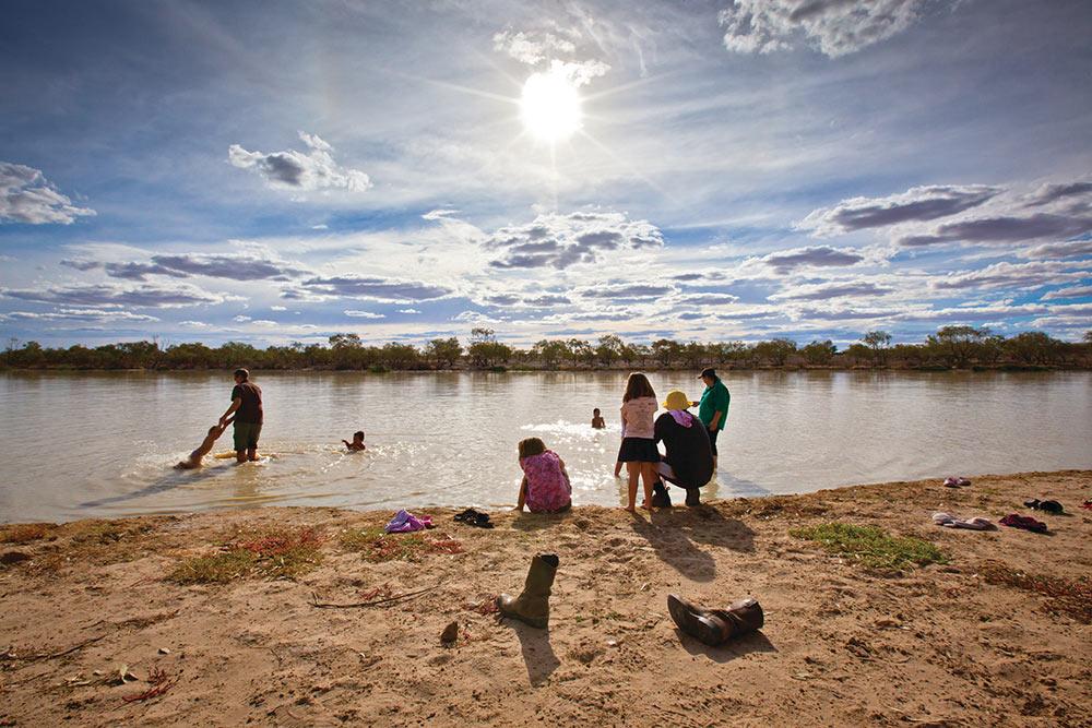 Birdsville Billabong, Diamantina River, This is Queensland