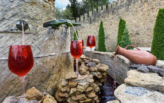 Italy's First Free Wine Fountain