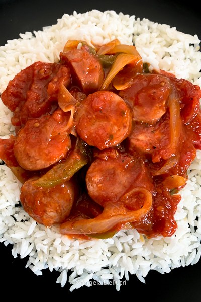 Smoked Sausage With Tomatoes, Onions and Green Peppers
