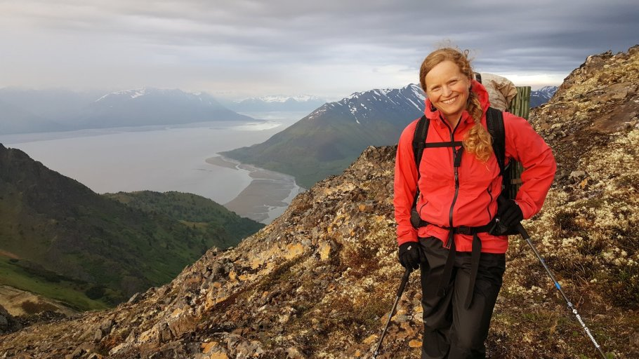 All smiles on the way up Hope Point in south central Alaska. 2017 (Photo: J. Rupp)