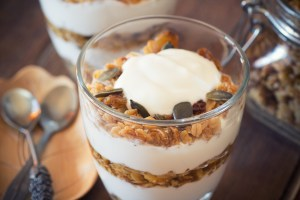 Banana yoghurt and almonds