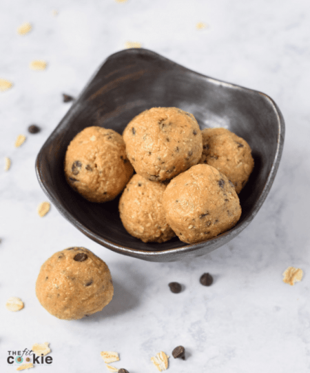These Coffee Chocolate Chip Protein Bites only taste indulgent, but they are actually healthy! These bites are gluten free and dairy free with a nut-free option, and they have a bit of protein and coffee to power you through your day - @TheFitCookie #glutenfree #dairyfree #protein