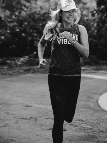woman chi running