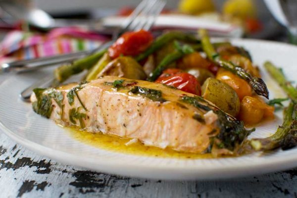 Meal Prep: Roasted Salmon & Summer Veggie Traybake The Fitness Maverick