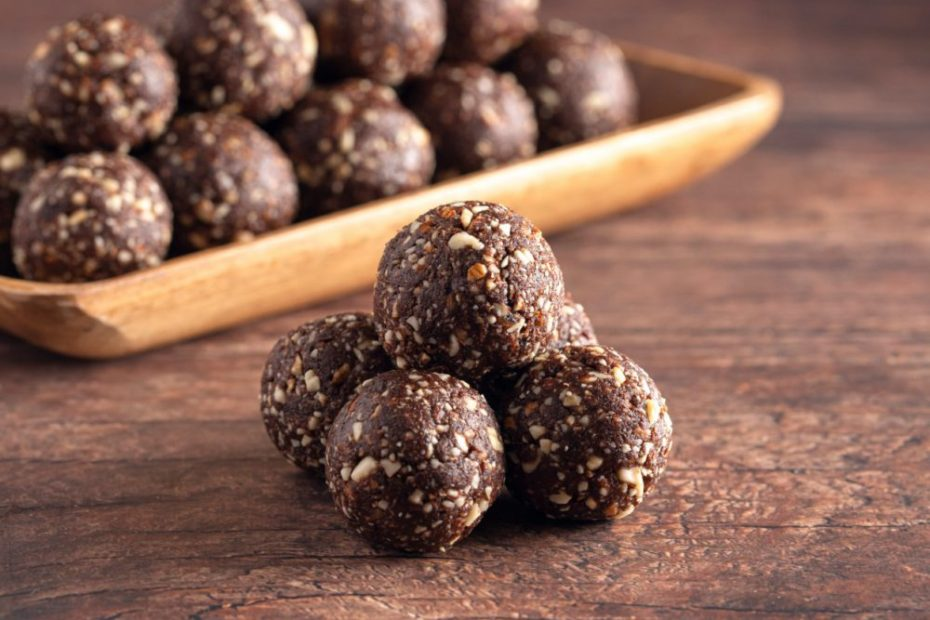 Pre-Workout Snack: Easy Energy Balls The Fitness Maverick