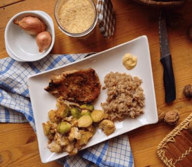 (ici porridge de seigle avec du boeuf et des légumes sautés )