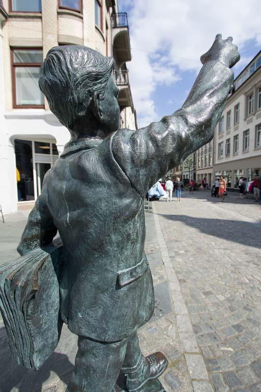 The-Paper-Boy-sculpture-in-Alesund-Norway