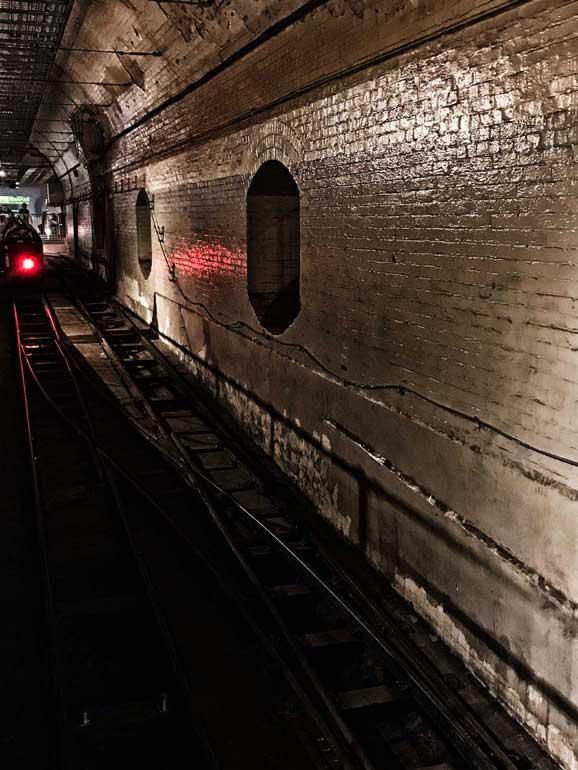 rail-mail-london-tunnel