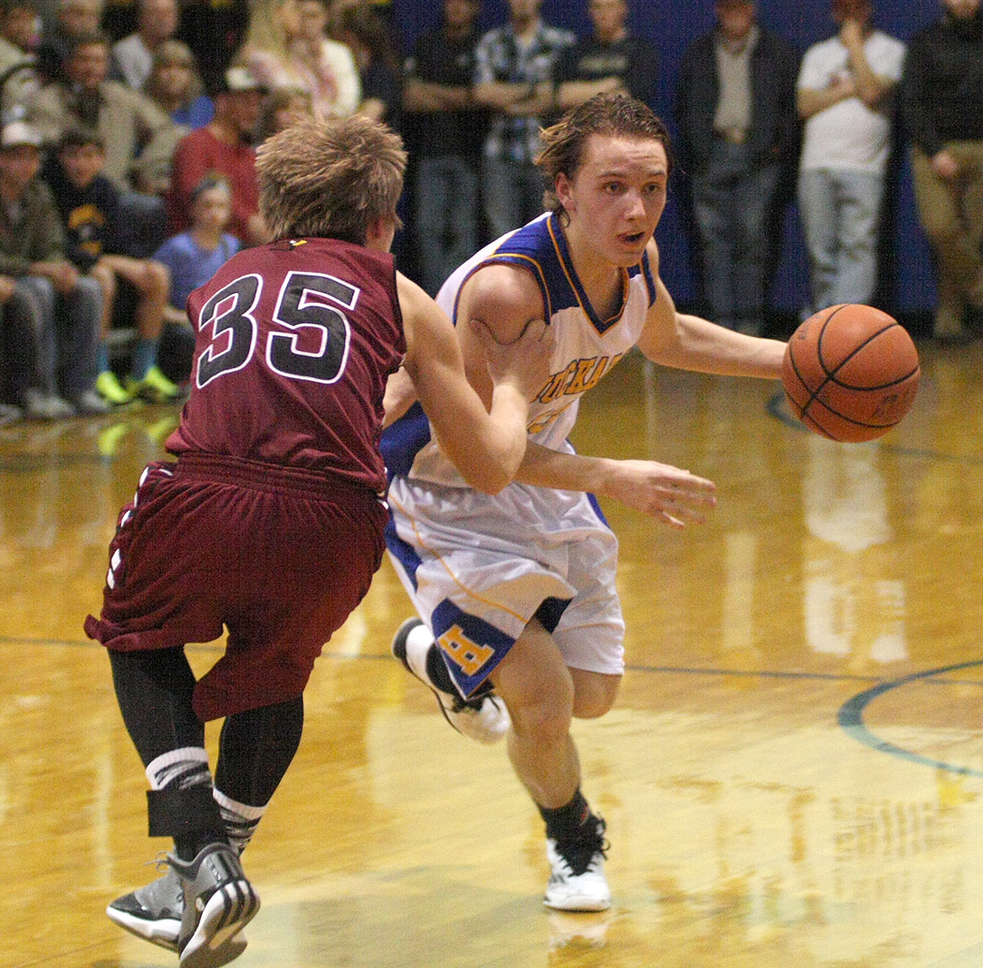 JW Weiss, shown against Lingleville, scored 13 for Huckabay Friday against Lipan. || Photo by BRAD KEITH