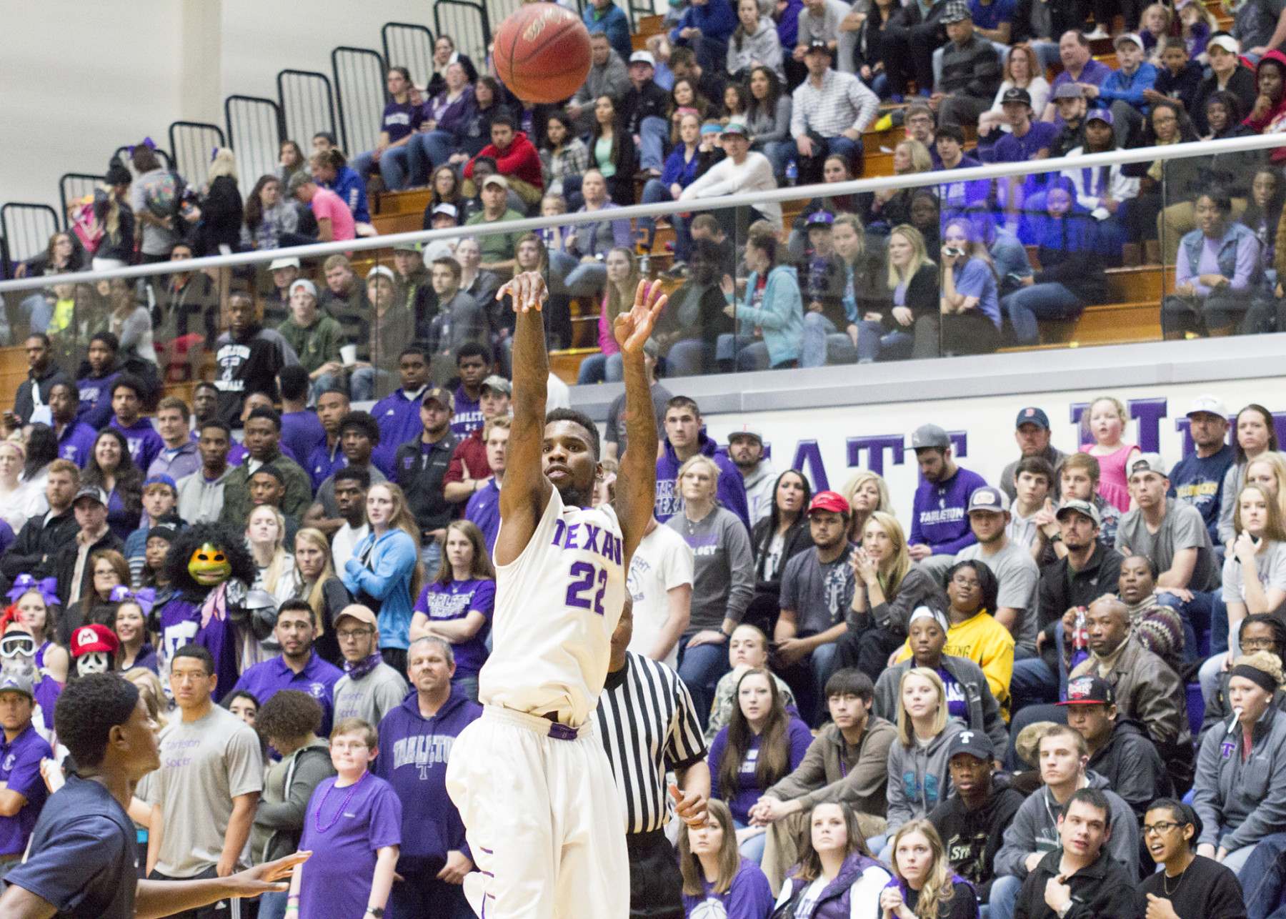 Mo Lee and Tarleton State will feel right at home during the South Central Region Championship at Wisdom Gym. || Photo courtesy CHET MARTIN