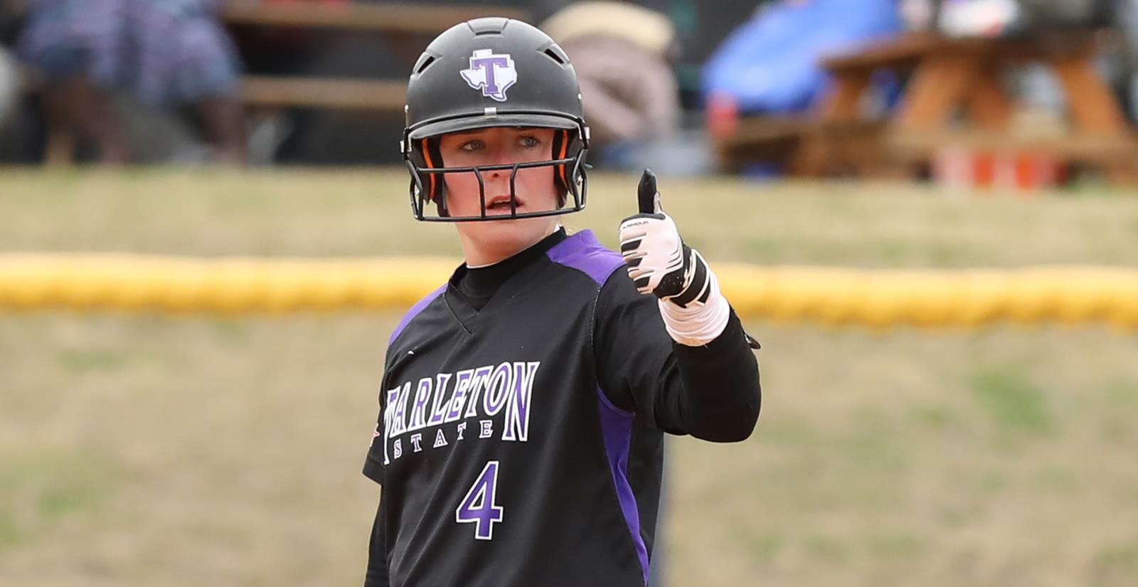 Tarleton softball Durante Thumbs Up