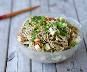 Sesame Soba Noodle Salad by Craving Greens