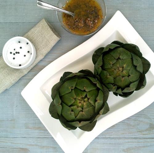 Artichokes with Caramelised Shallots Vinaigrette [vegan]