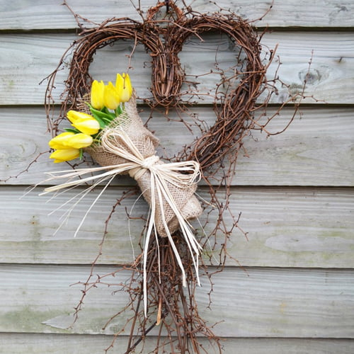 Natural Sweetheart Vine Wreath with Yellow Tulip Bouquet