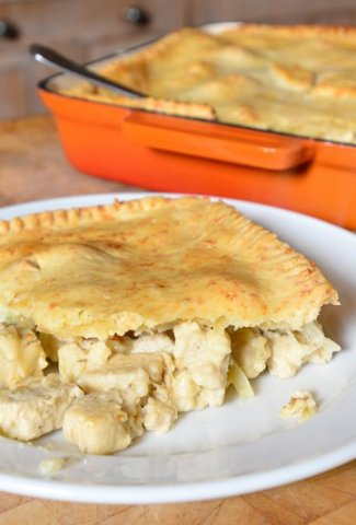 Quorn Chicken Style Pieces and Leek Pie [vegetarian]