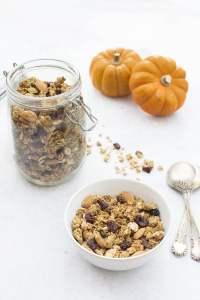 Pumpkin Spice Granola [vegan] by The Flexitarian