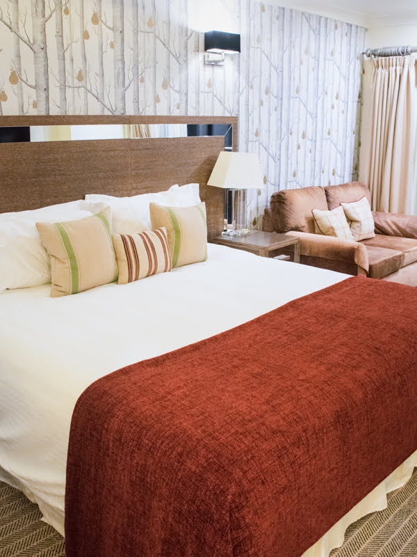 Careys Manor Hotel Bedroom 2019 © Annabelle Randles The Flexitarian