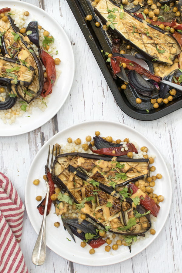 Roasted Aubergines with Creamy Harissa Dressing [vegan] 2020 © Annabelle Randles | The Flexitarian
