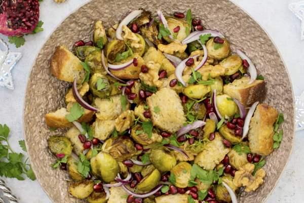 Brussels Sprout Panzanella [vegan] © The Flexitarian
