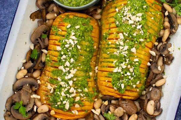 Hasselback Butternut with Mushrooms [vegan] © Annabelle Randles | The Flexitarian