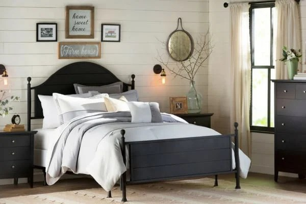 11 Gorgeous Farmhouse Style Bedrooms With Shiplap The Flooring Girl