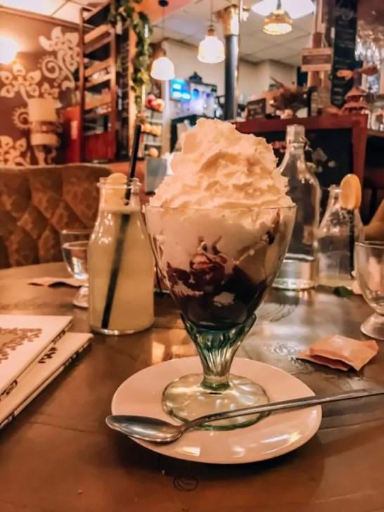 Zielona Sofa in Walbrzych has amazing desserts