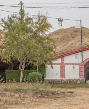 Hobbit houses, then on to Villar de Mazariffe