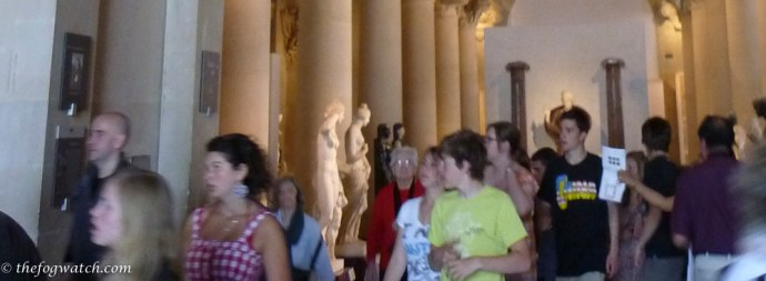 crowd in the Louvre