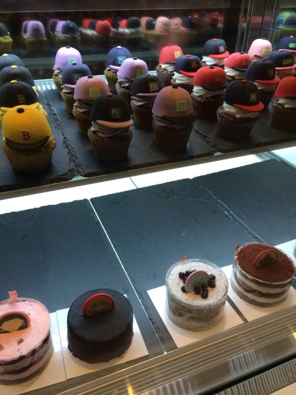 SMTOWN cakes