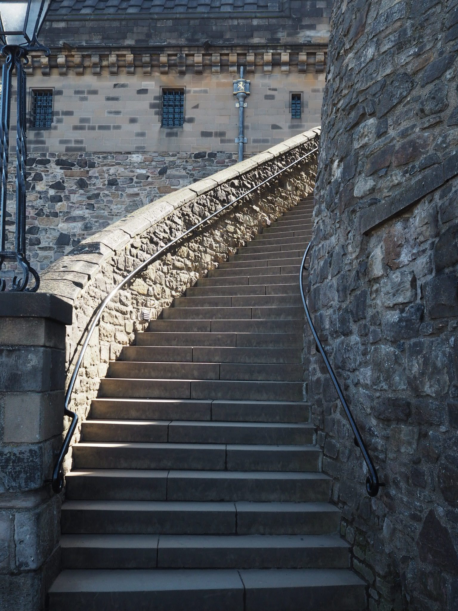 Edinburgh-Castle-stairs