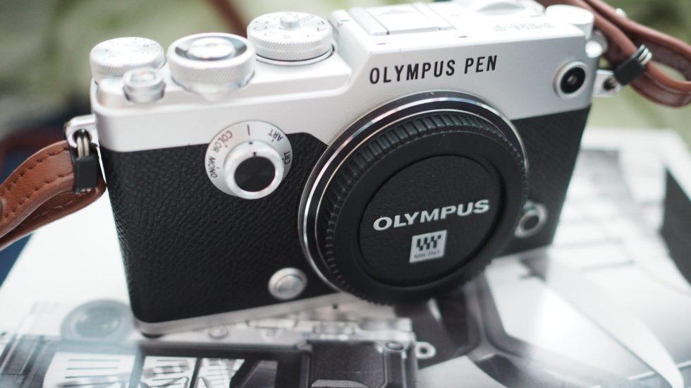 Olympus-Pen-F-side-view