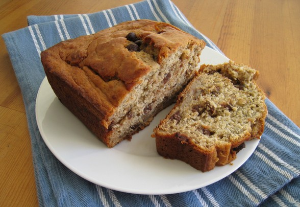BANANA BREAD WITH CHOCOLATE CHIPS AND WALNUTS recipe picture