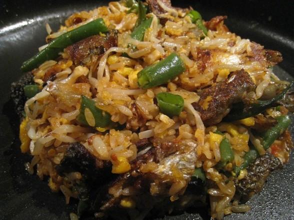 CRISPY SALMON SKIN FRIED RICE recipe