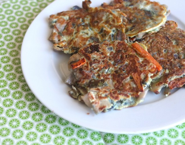 FRIED CHOW MEIN PANCAKES recipe