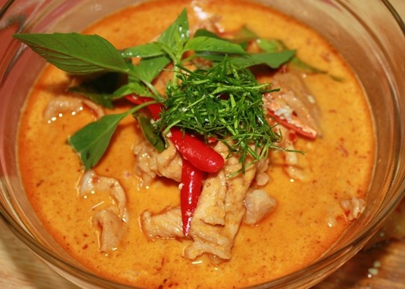 Panang Gai (Thai Panang Chicken Curry) recipe by Thai Food Recipe