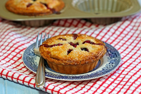 Apple Blueberry Mini Pies recipe photo