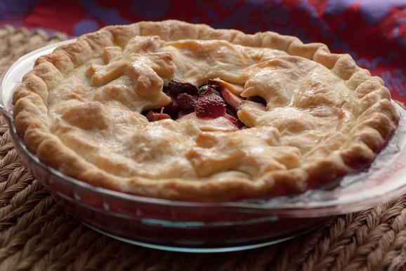 Canada - Bumbleberry pie