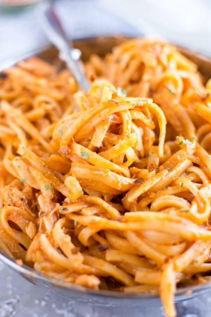 Crockpot Firecracker Chicken Pasta
