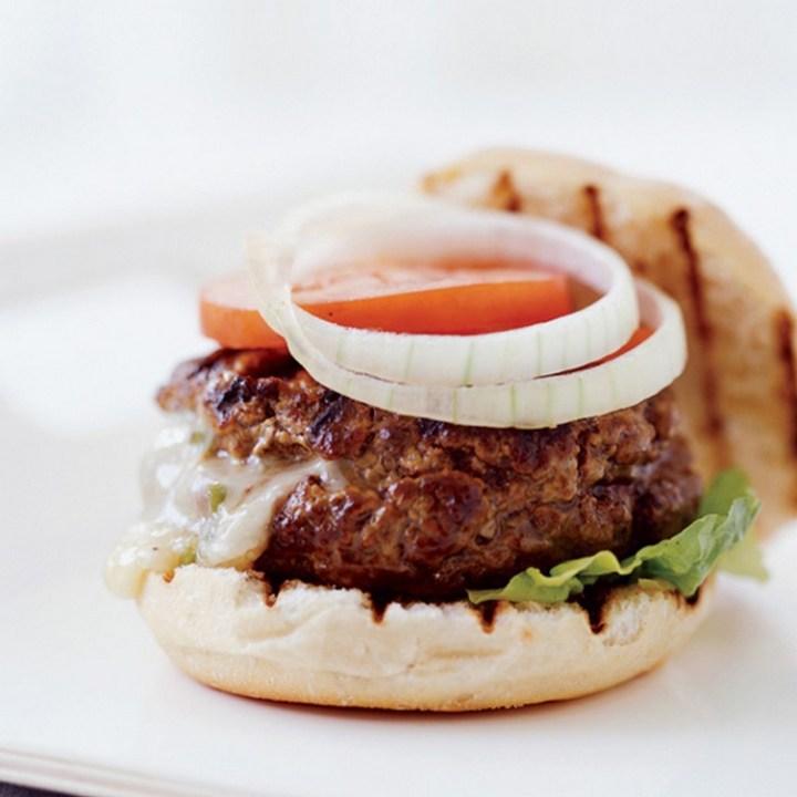 Chile-Stuffed Cheeseburger