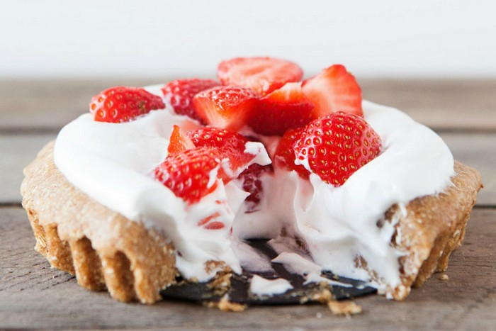 No-Bake Strawberry Cream Pie [Vegan, Gluten-Free]