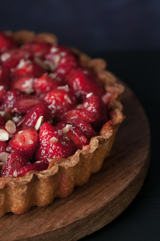 http://hungryrabbitnyc.com/2015/06/fresh-strawberry-cream-pie/
