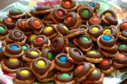 M&M Pretzel Treats recipe
