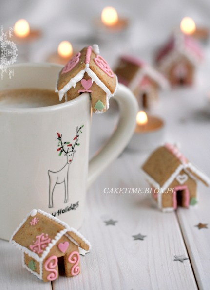 Mini Gingerbread Houses recipe