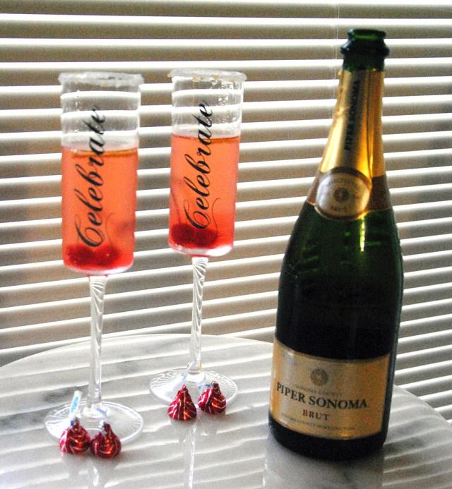 http://www.bonbonrosegirls.com/2016/02/valentine-champagne-cocktail.html