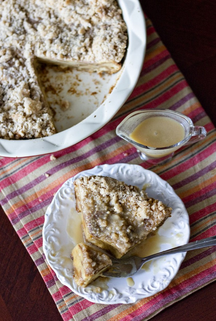 Cinnamon Bread Pudding With Rum Sauce