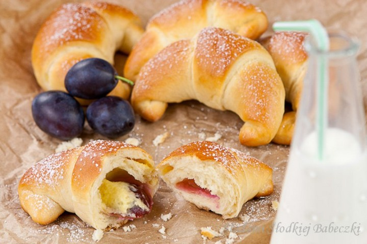 Croissants with Custard and Plums Recipe
