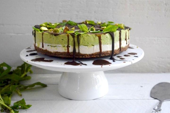 http://www.lifeofgoodness.com.au/raw-matcha-green-tea-mint-cheesecake/