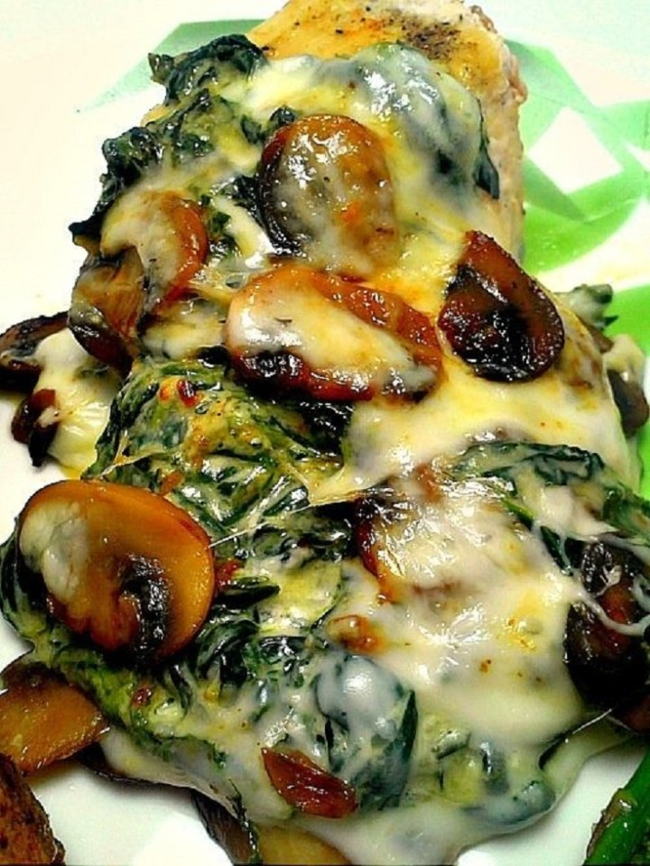 Smothered Chicken with Mushrooms and Spinach recipe